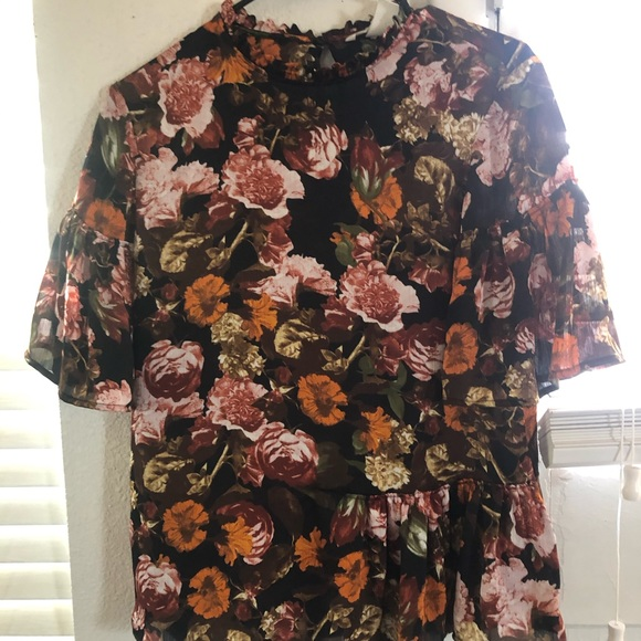 H&M Tops - Floral high neck silk top
